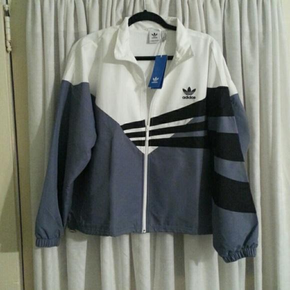 748a63616543 Women s Addias crop track jacket sz XL